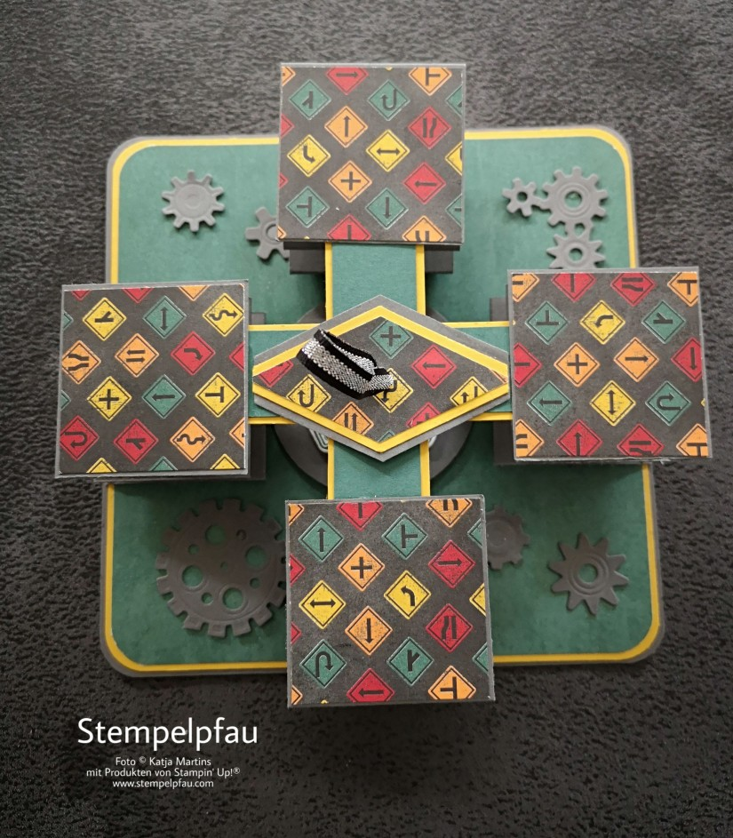 Akkordeonkarte mit der Produktreihe In der Werkstatt von Stampin' Up!