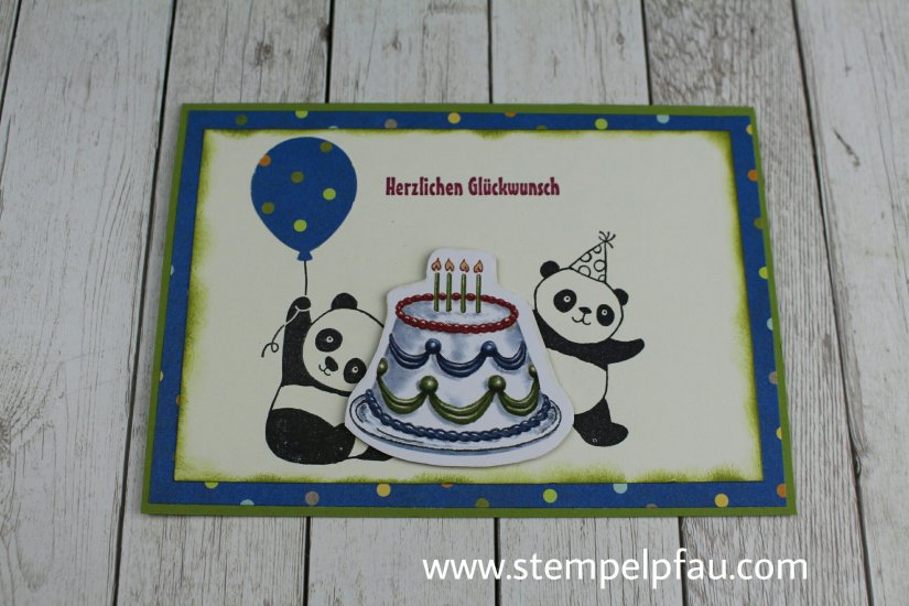 Party-Pandas überall. Diese Karte ist für meine Bewerbung als Schauwand-Gestalterin entstanden.